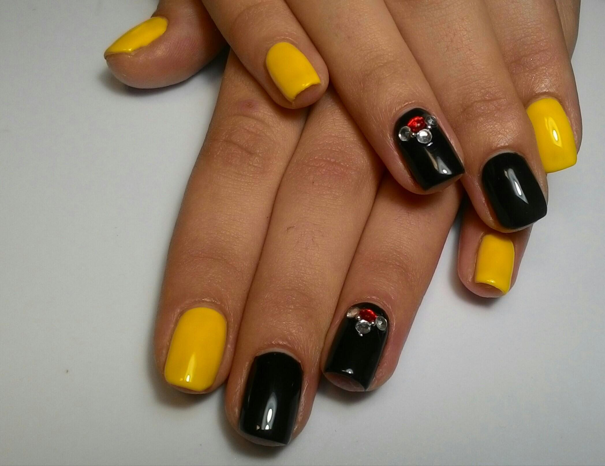 Идеи для маникюра фото желто-черного цвета