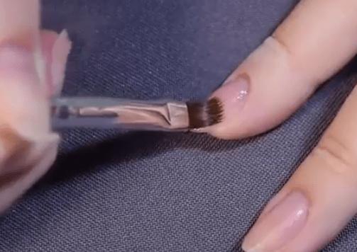 Как накрасить ногти как профи