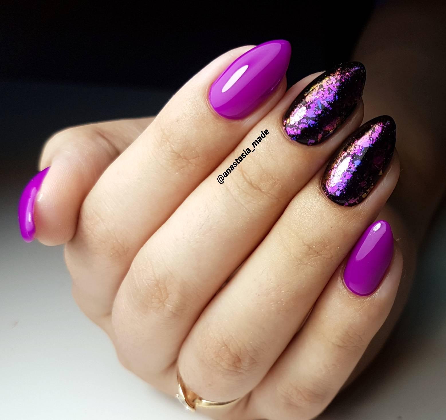 Фиолетовый маникюр со стертым дизайном