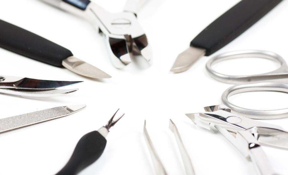 Как сделать маникюр на ногтях – советы начинающим