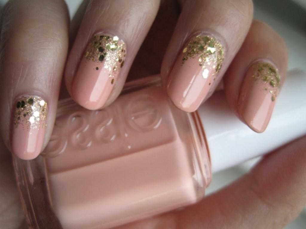Маникюр с розовым лаком – нежность и красота, доступная всем