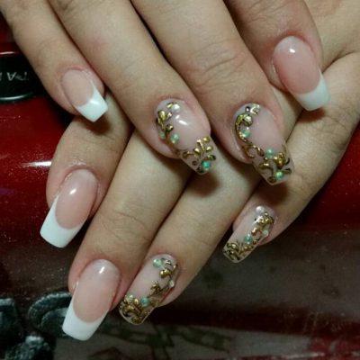 Роскошные литые узоры на длинных ногтях