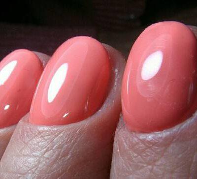 Ярко-розовый почти «баббл-маникюр»