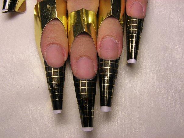 наращивание ногтей с помощью форм