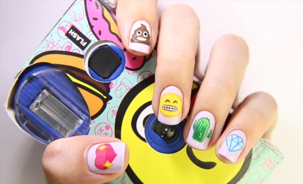 маникюр emoji