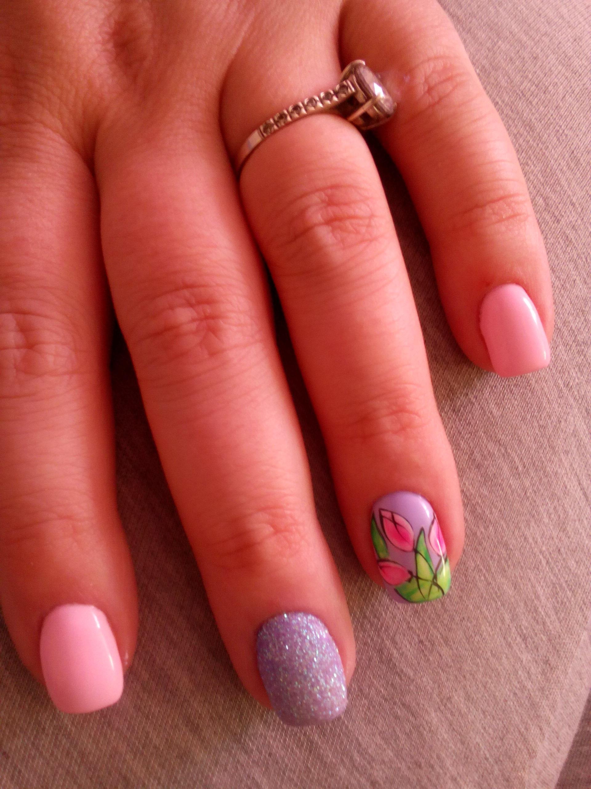 Нежный красивый дизайн ногтей