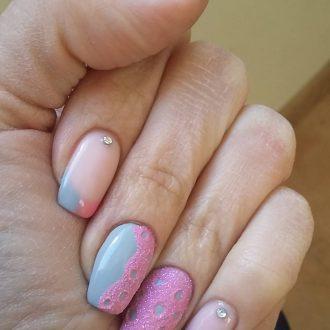 Розовое с голубым на длинных ногтях
