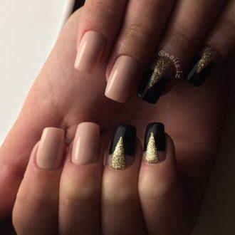 Золотые пики в роскошном маникюре
