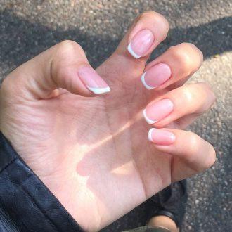Френч на ногти средней длины