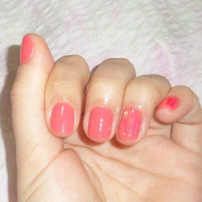 Гель-лак и «битое стекло» на короткие ногти