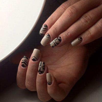Деловая геометрия на длинных ногтях