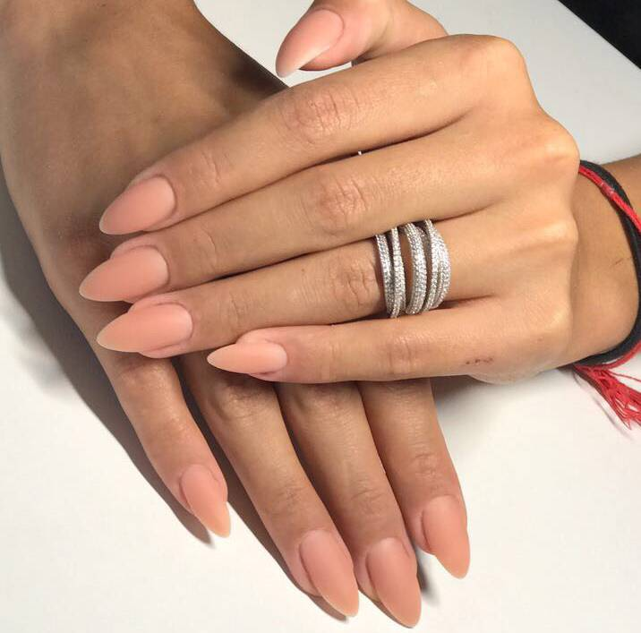 Нюдовый маникюр на длинные ногти фото новинки