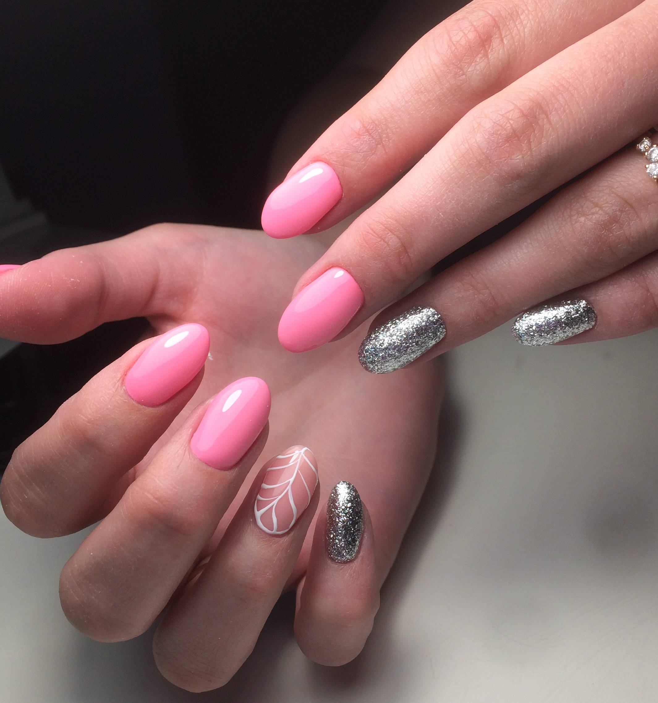 розовый с серебром маникюр фото