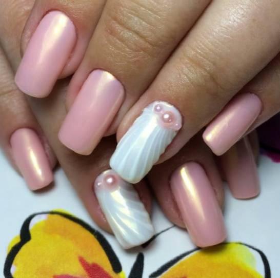 Перламутровый дизайн на длинные ногти