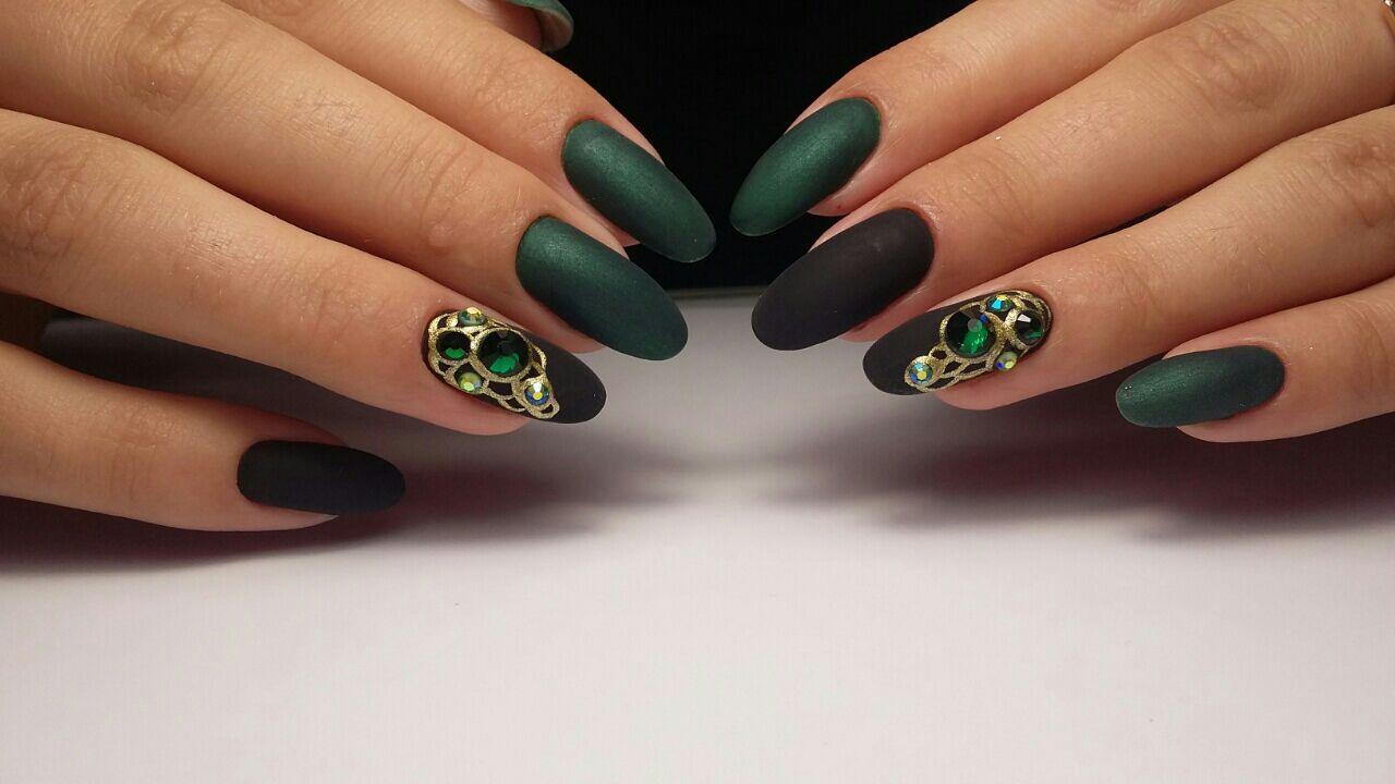 Мода на зеленый маникюр : зеленый дизайн ногтей