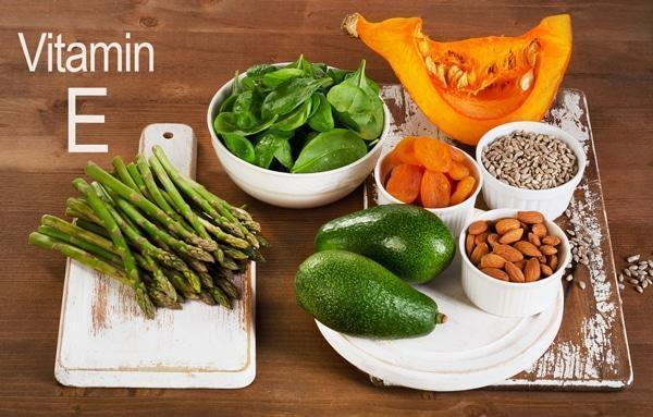 Продукты с витамином Е для восстановления ногтей