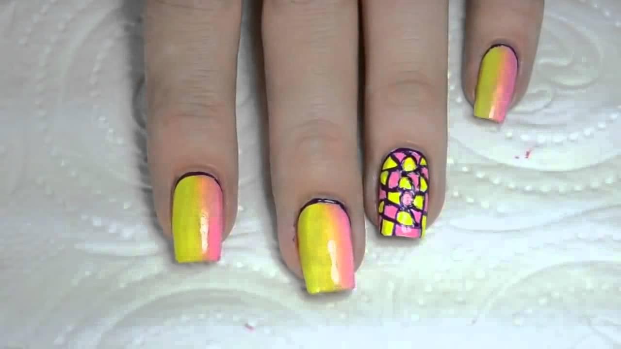 Вертикальный дизайн ногтей градиент