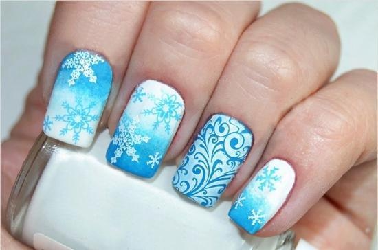 Дизайн ногтей градиент с росписью