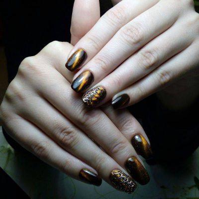 Кошачий глаз и литье на бронзовых ногтях