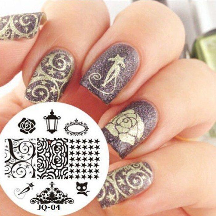 Дизайн ногтей вензеля с использованием стемпинга