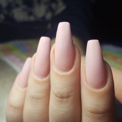 Розовый матовый маникюр на очень длинные ногти
