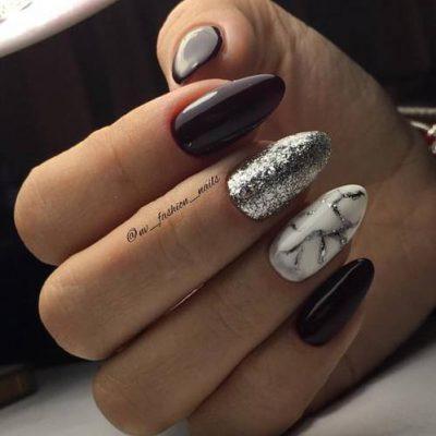 Серебро в черно-белом маникюре