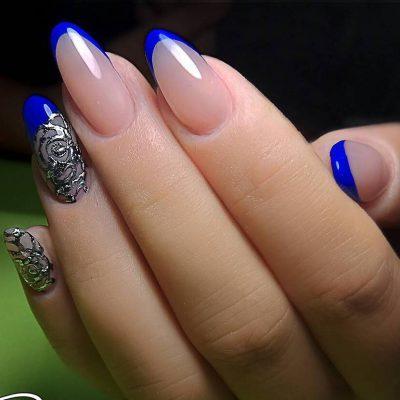 Роскошный синий френч и литье на длинных ногтях
