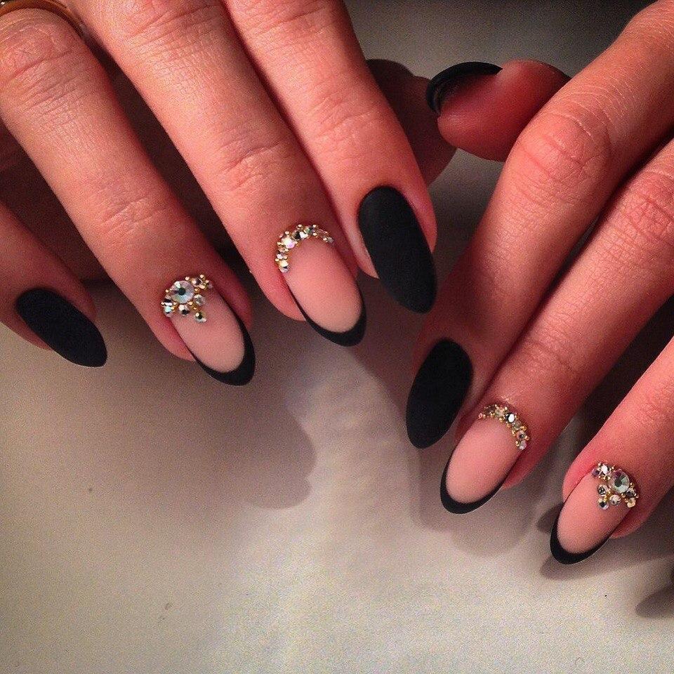 Наращивание ногтей гелем фото черные