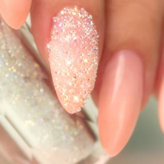маникюр с камнями и кристаллами сваровски