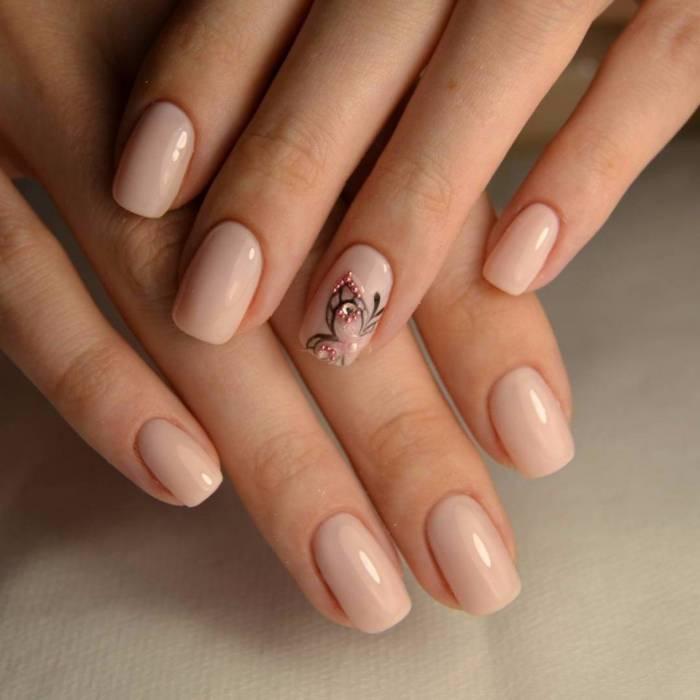 красивые бабочки на ногтях