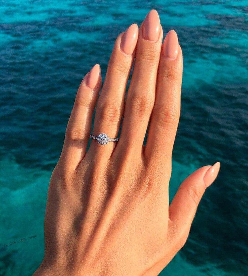 миндалевидные бежевые ногти