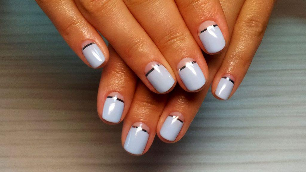 легкий дизайн ногтей с лентами для новичков