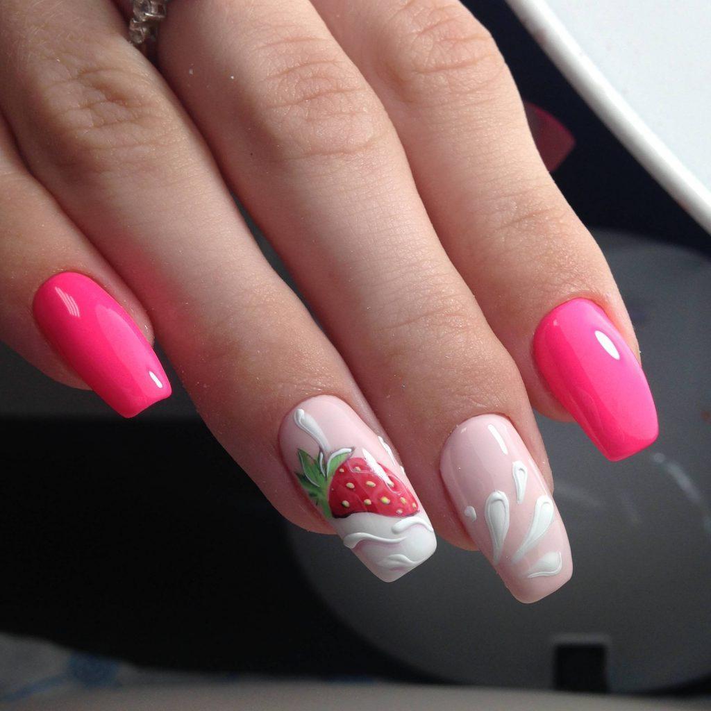 клубничный дизайн ногтей
