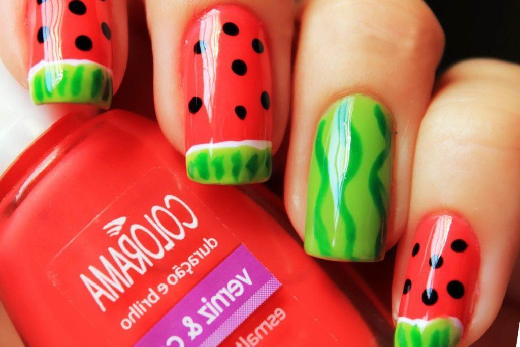 арбузный дизайн ногтей