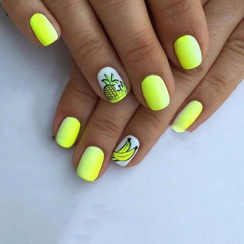 Маникюр в желтом цвете на короткие ногти