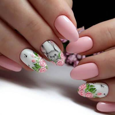Маникюр в розовом цвете с необычным рисунком на весну