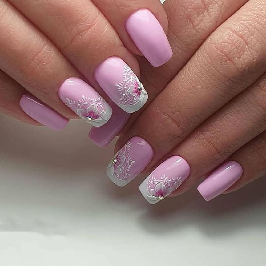 Свадебный маникюр в розовом цвете