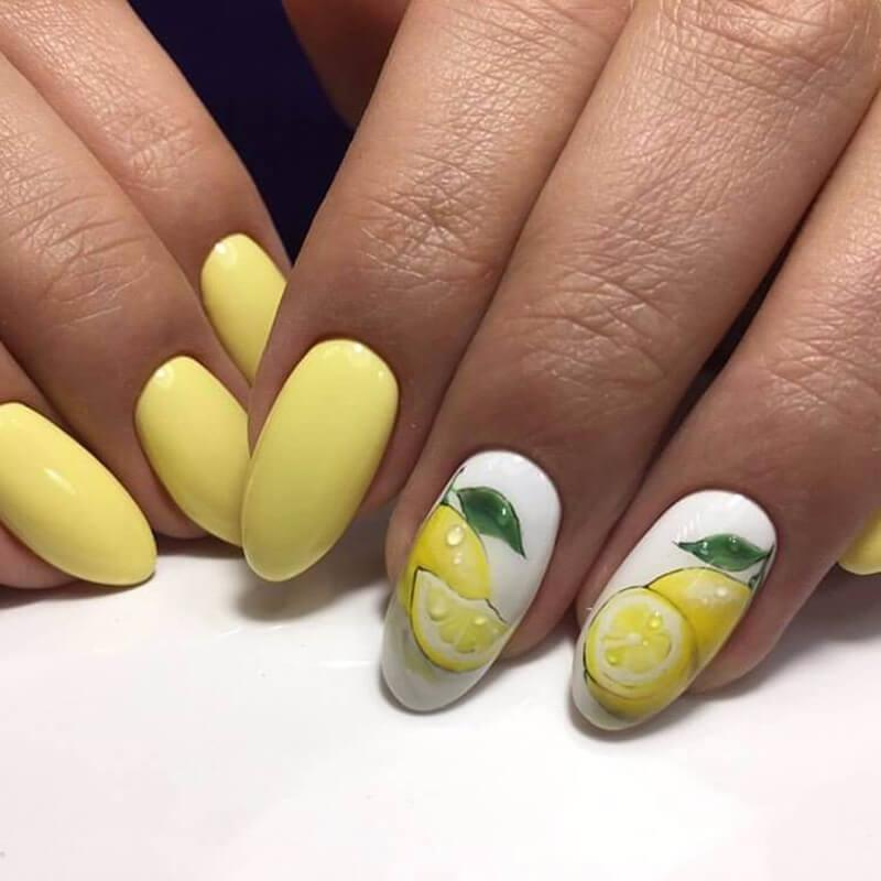 Желтый маникюр с лимоном