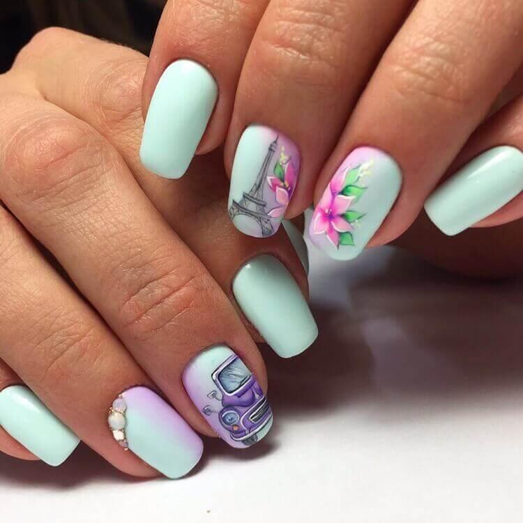 Комби дизайн с рисунком и градиентом на ногти средней длины