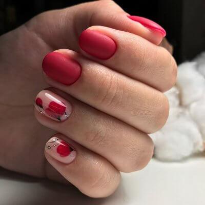 Матовый красный маникюр на короткие ногти