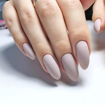 Однотонный маникюр для длинных ногтей