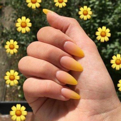 Маникюр на форму миндаль летний желтый