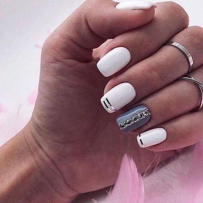 Белые квадратные ногти