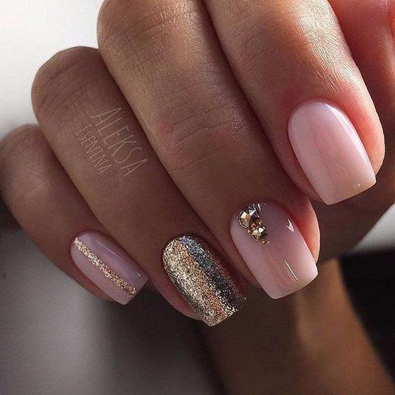 Квадратные ногти розовый маникюр