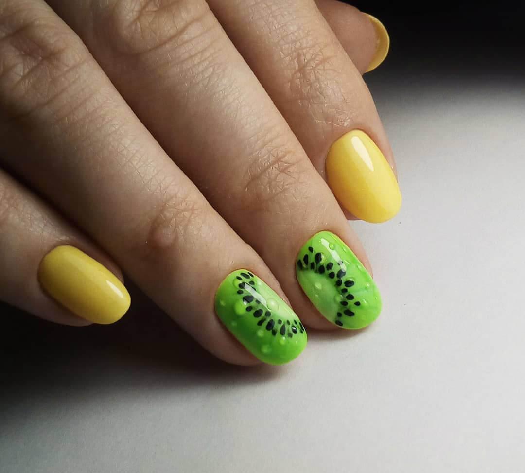 Фруктовый желтый маникюр с киви