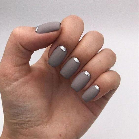 Лунный маникюр на матовые ногти