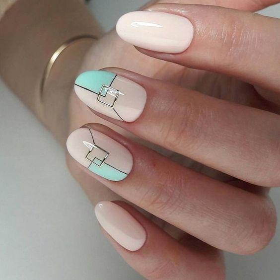 Классный дизайн ногтей геометрия