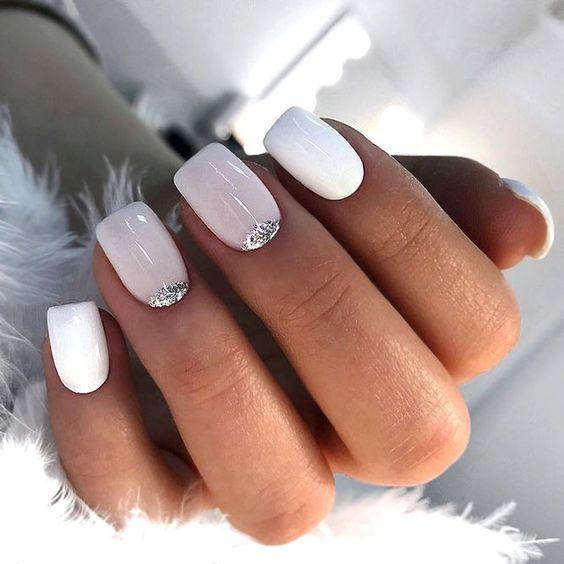 Квадратные ногти белый маникюр