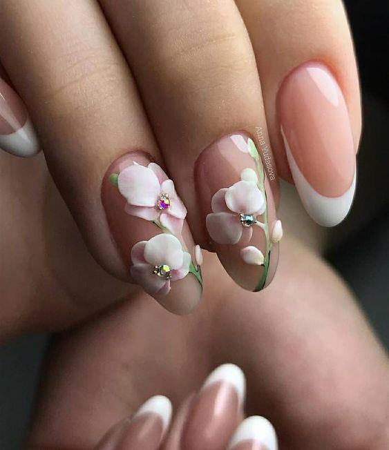 Маникюр с рисунком цветы