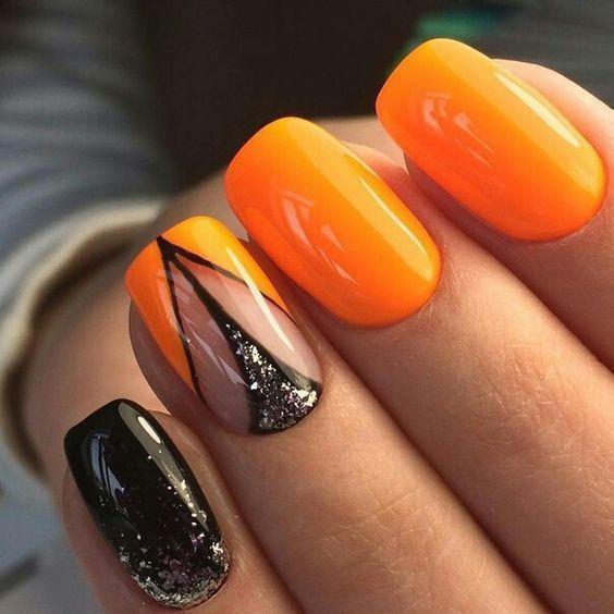Оранжевый маникюр с черным
